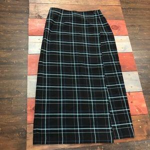 🎉3/$35 Cato Black Plaid Wrap Skirt
